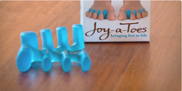 joy-a-toes, toe spreaders, virtual snowboard school, snowboard health, snowboard IQ